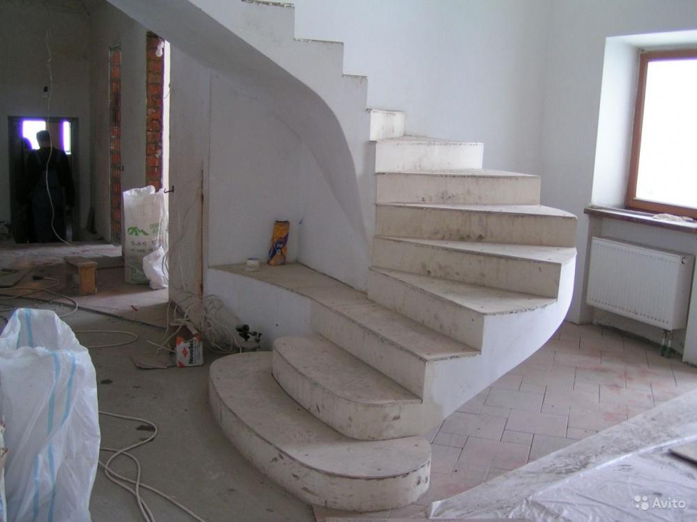 Изготовление лестницы из бетона имеет массу особенностей, которые обязательно необходимо учесть при их монтаже