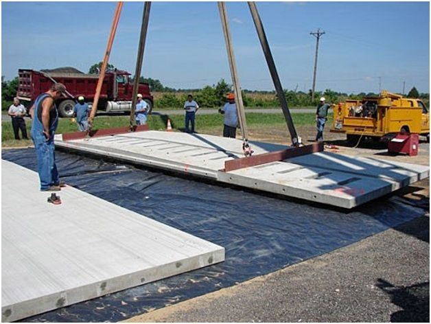 Монтаж плит на гидроизоляционное покрытие