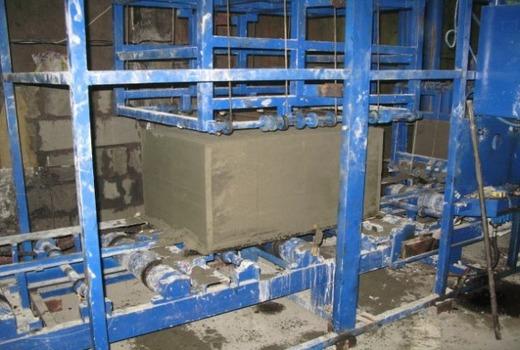 Блок во время производства