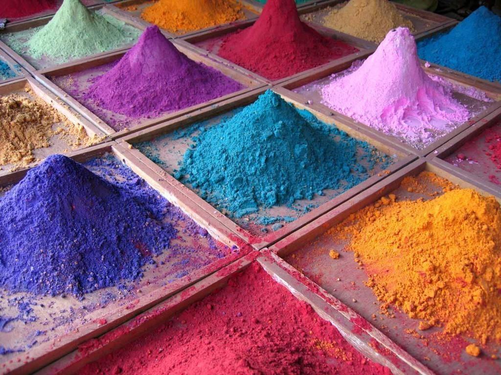 Разнообразие цветов пигментных красителей для плитки