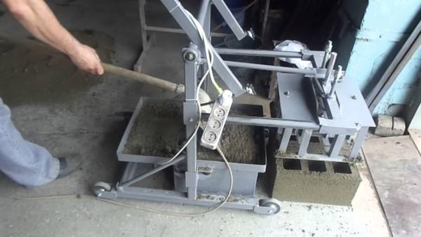 производство шлакоблока в домашних условиях