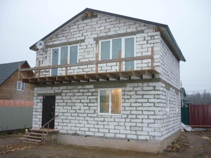 из чего строить дом газоблок или пеноблок