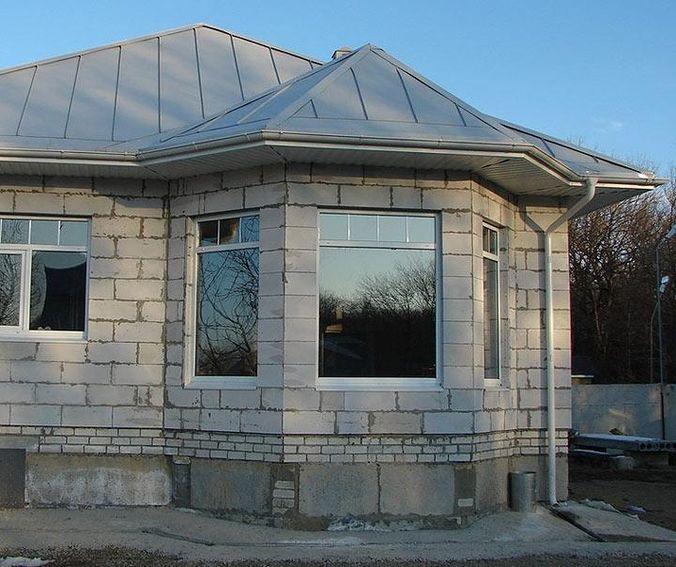 Из таких блоков можно сделать необычную геометрию дома