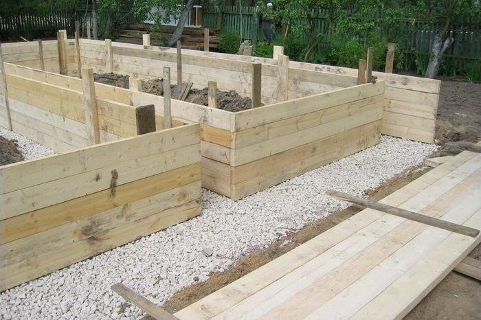 Один из самых распространенных видов опалубки - деревянная