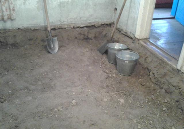 Чтобы правильно залить бетонное покрытие своими руками, нужно придерживаться структуры его возведения