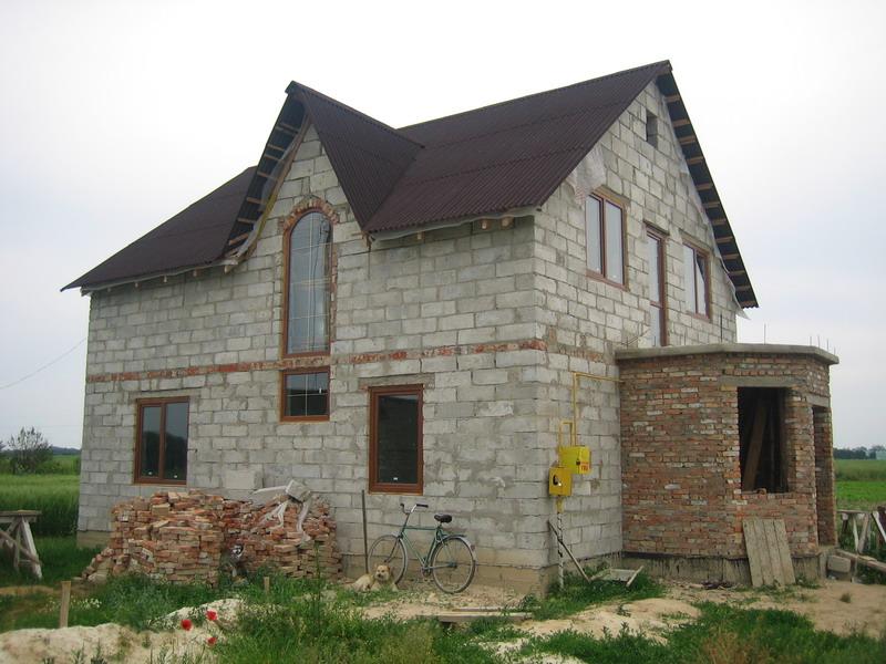 Дома из данного материала отличаются надежностью и высокими характеристиками