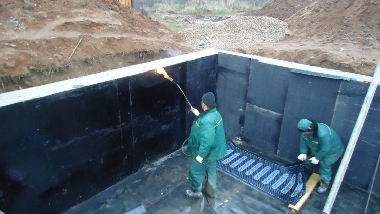 Нанесение наплавляемой гидроизоляции