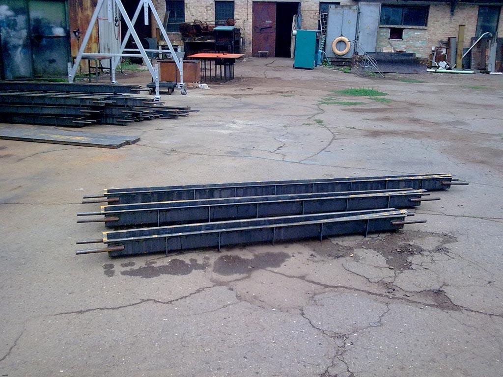 Монтаж бетонных столбов не требует использования спецтехники и дорогих материалов