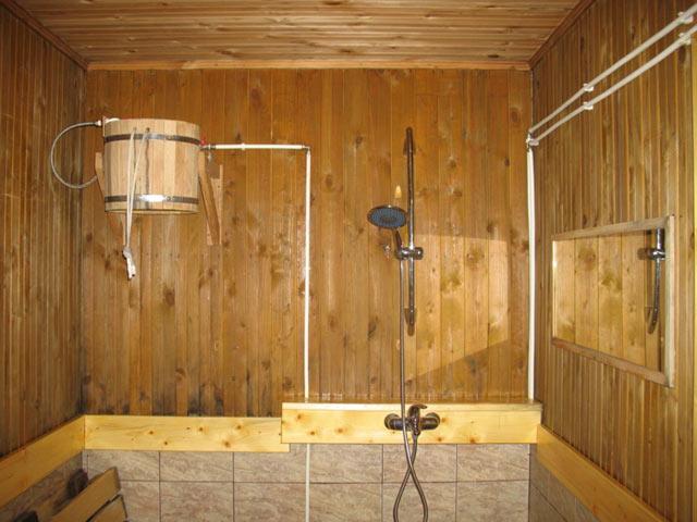 От избытка влаги может испортиться древесина