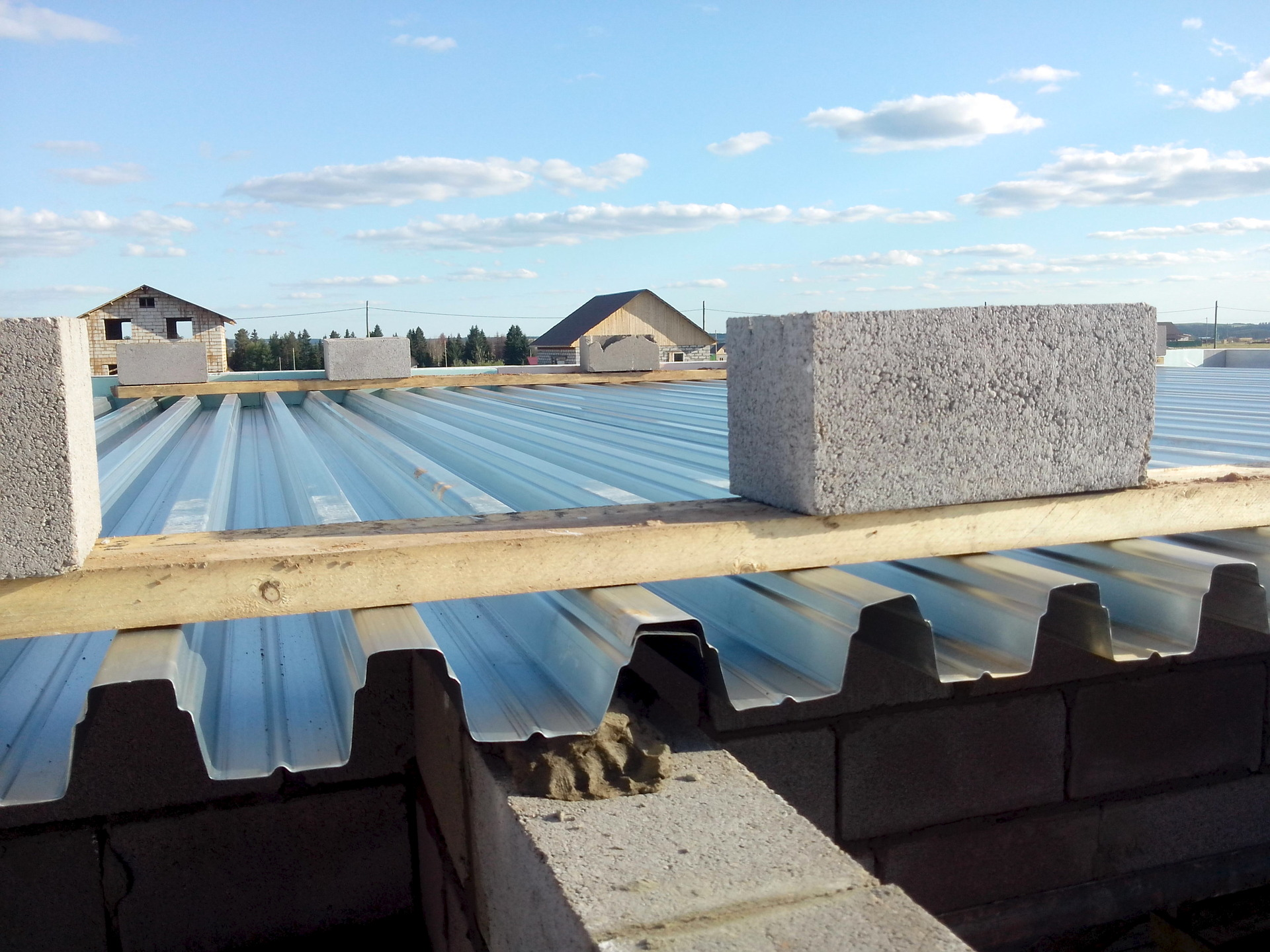 При возведении перекрытий всегда нужно учитывать толщину бетонного слоя