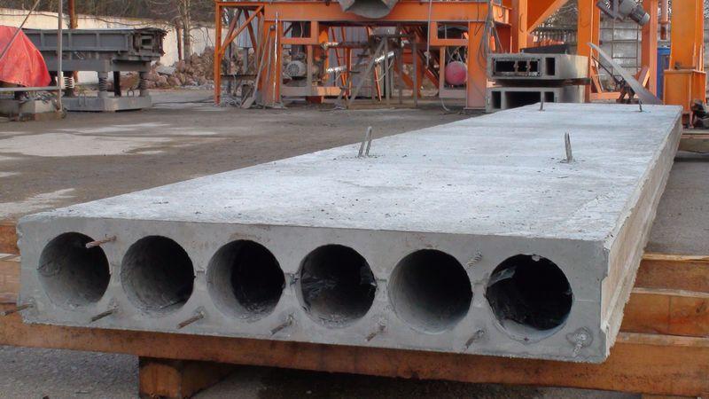 Сегодня плиты делают из высокопрочного бетона по новейшим технологиям – для получения высококачественного материала