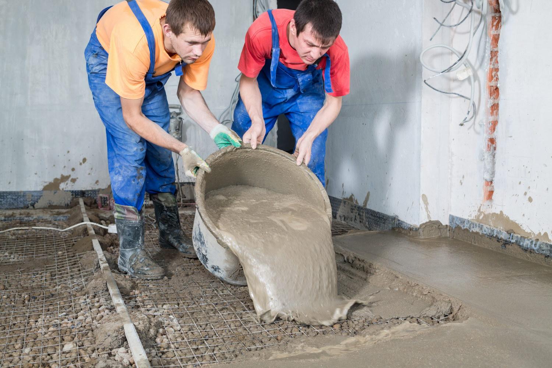 Для такой процедуры лучше всего использовать специальный строительный миксер