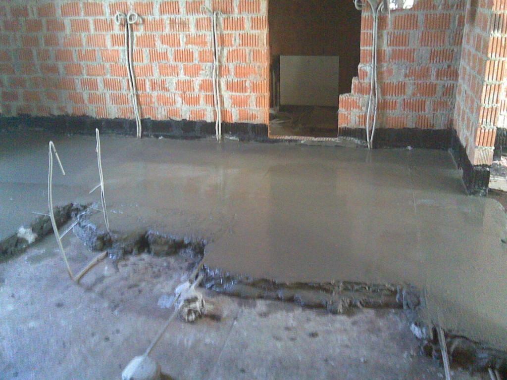 Строительный материал удовлетворяет высоким требованиям к надежности, длительности эксплуатации и простоте укладки