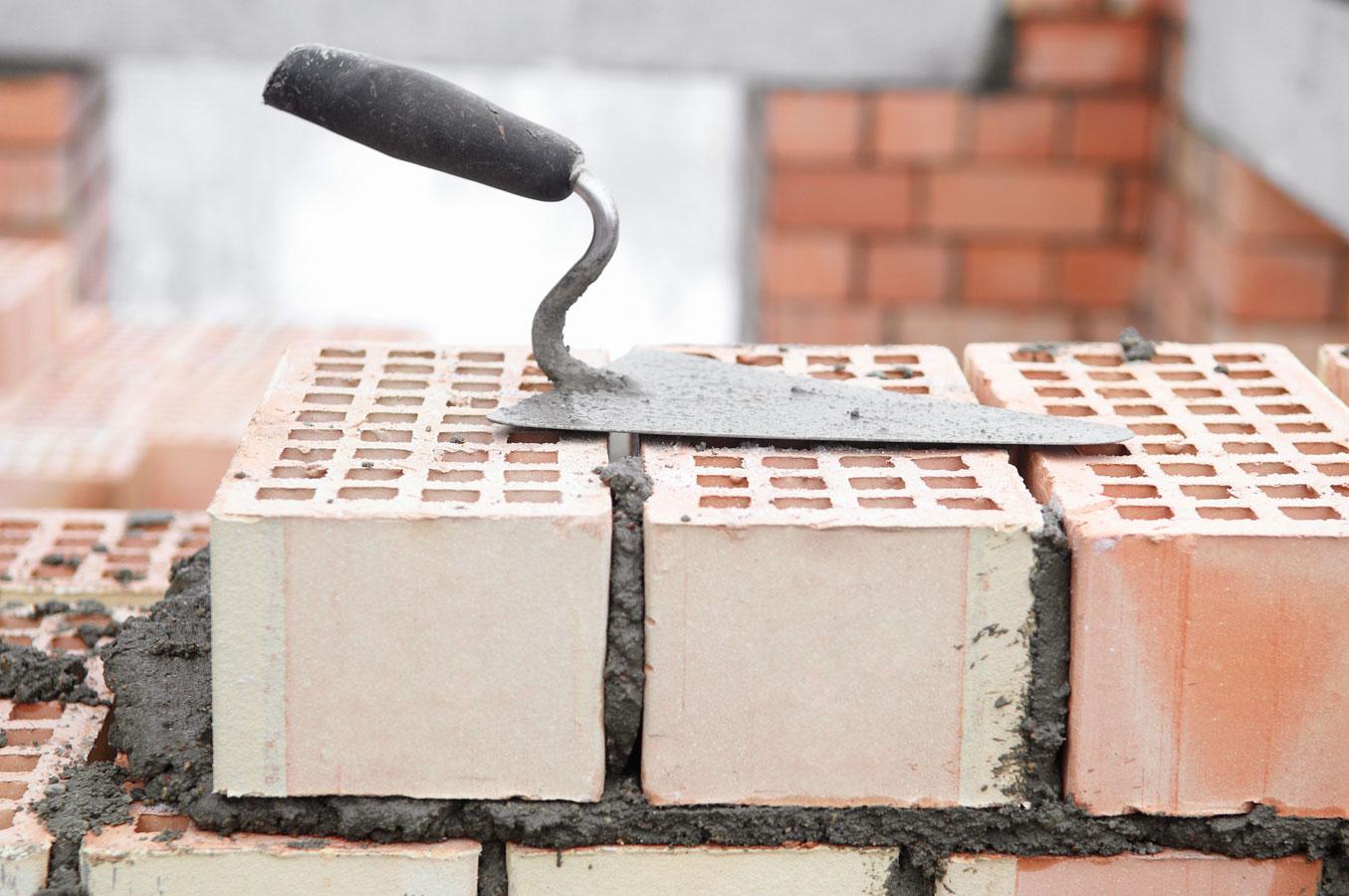 Использование легких кладочных растворов позволяет существенно улучшить показатель теплопроводности стены по сравнению с обычным раствором