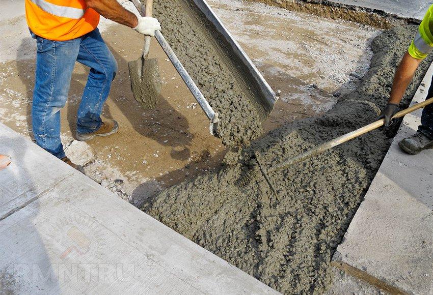 Уход за фундаментом после заливки, добавление пластификаторов в раствор