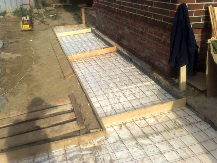армирование бетонного отмостки