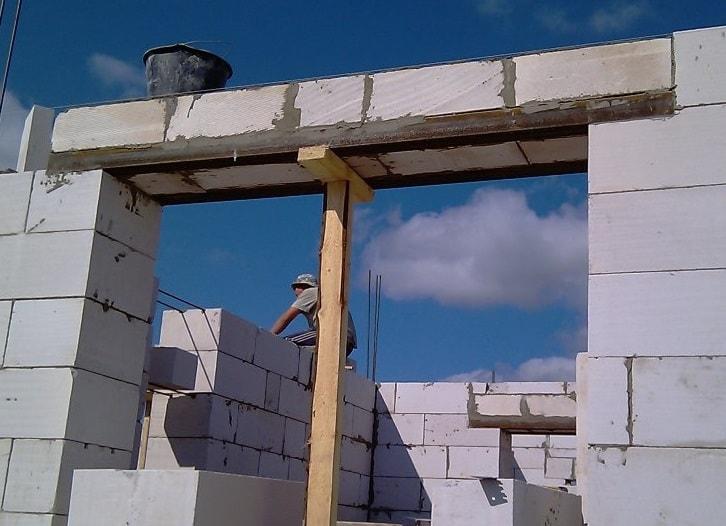 Армирование оконных и дверных перемычек