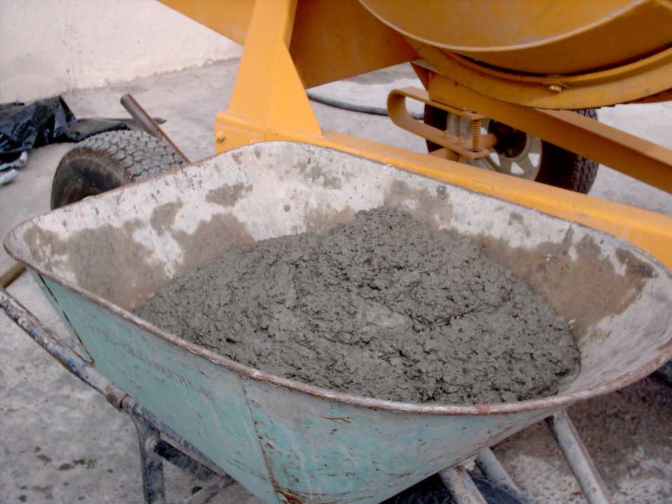 Как замесить цементный раствор: инструкция