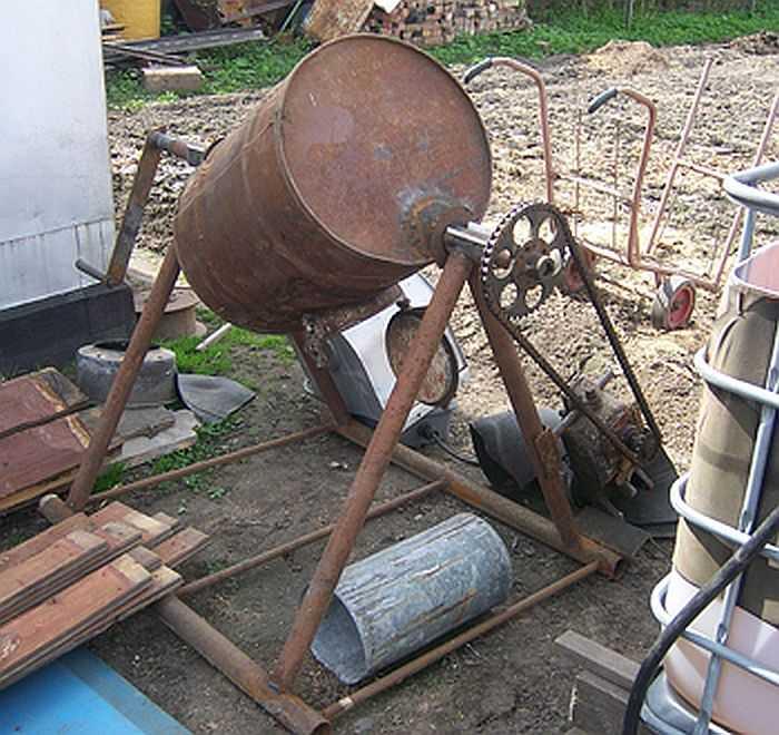 Механизация в действии: ручная бетономешалка превращается в электрическую
