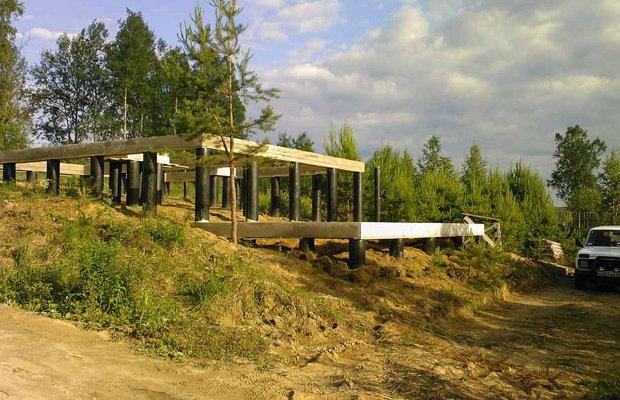 Столбчатая конструкция для жилого строения на склоне – можно и так!