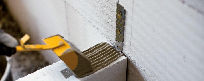 Кладка внутренней стены из газобетона