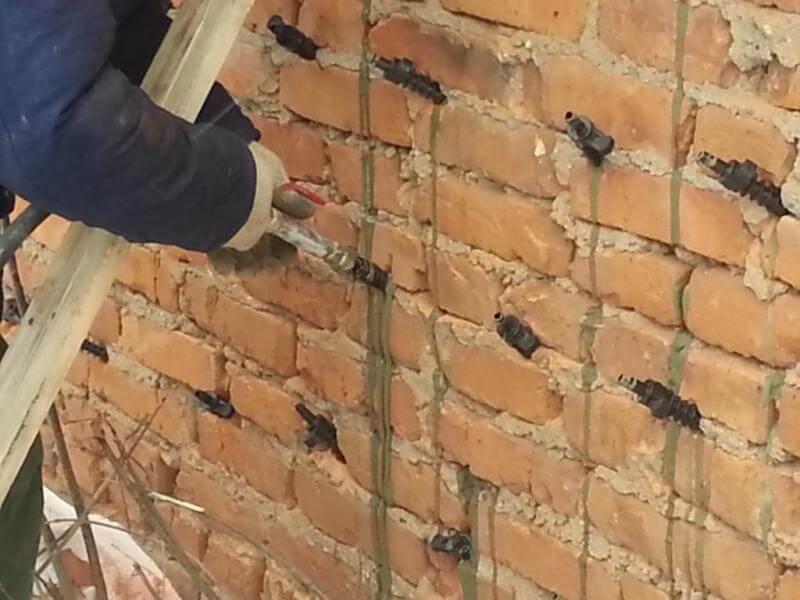 Инъектирование кирпичной кладки