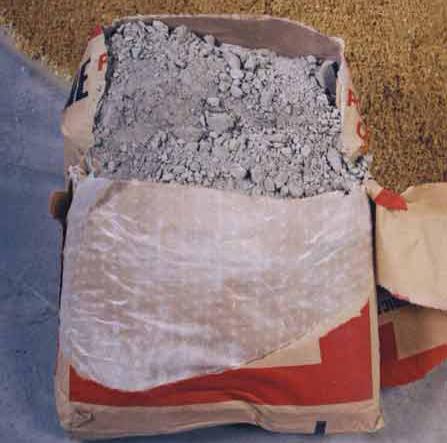 Использовать окаменелый цемент или с крупными слеженными включениями запрещено