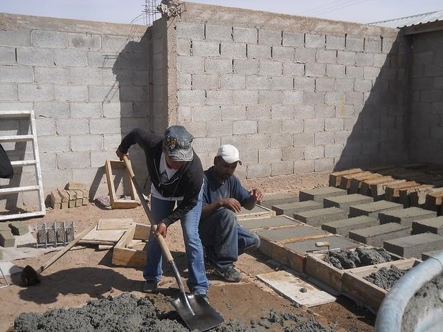 изготовление шлакоблока на объекте строительства