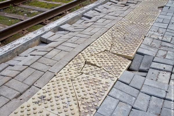 как правильно укладывать тротуарную плитку на даче фото