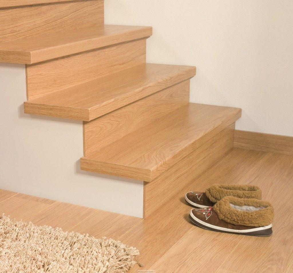 Лестница с отделкой ламинатом