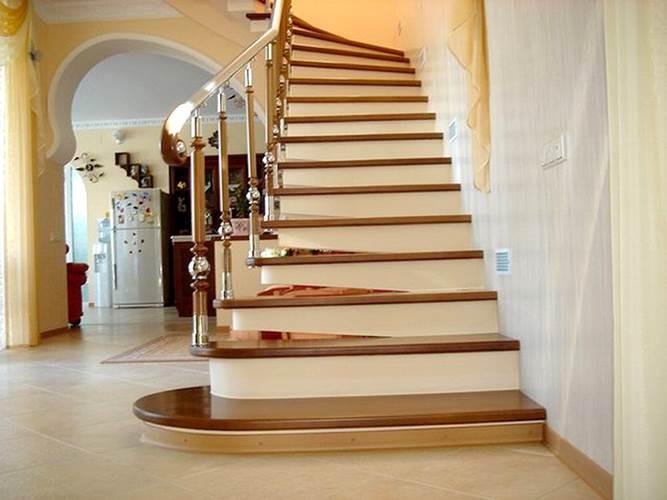 Бетонные лестницы не только надежны и долговечны, но еще они могут быть очень красивы