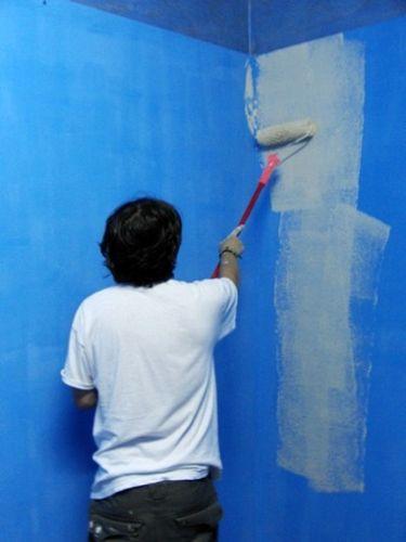 Покраска бетона своими руками: чем покрасить бетонную отмостку и другие конструкции, видео и фото