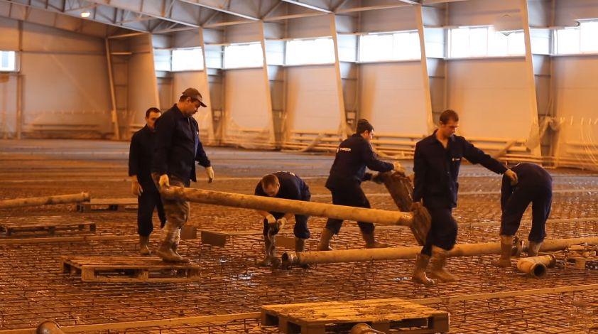 сборка и подключение труб для подачи бетона бетононасосом