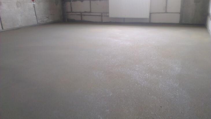 Шпаклюем бетонный пол