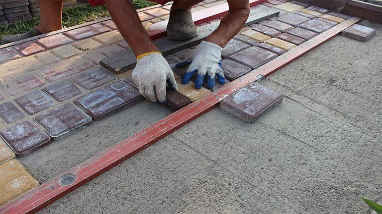 Укладка тротуарной плитки на бетон