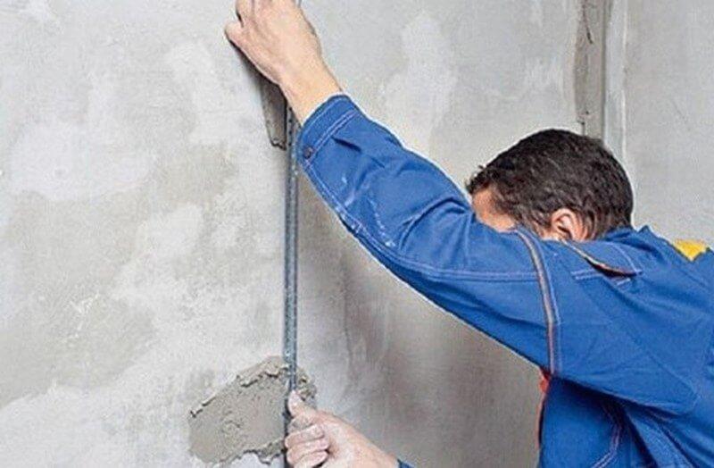 Монтаж маяков на цемент