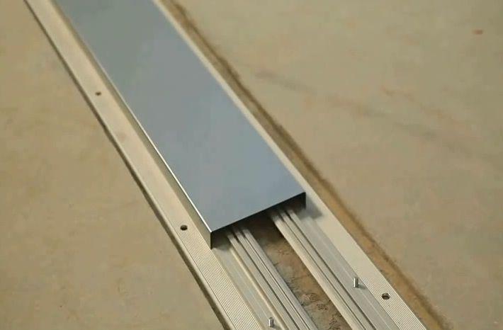 Установка защитного кожуха перед заливной финишного слоя бетона
