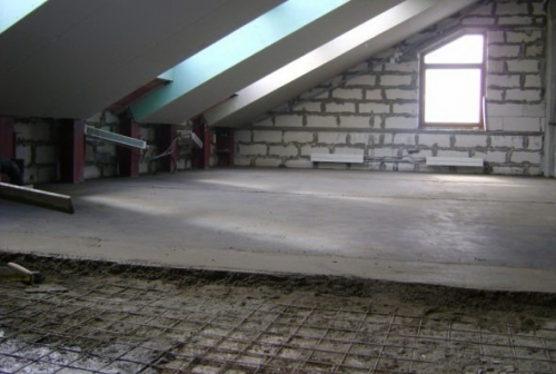 Верхний край щитов опалубки должен быть выше проектной отметки верха фундамента на 30 мм, т.к. бетон впоследствии даст усадку на 20-30 мм