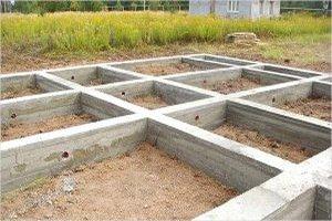 Lentochnyj fundament montazh 300x200