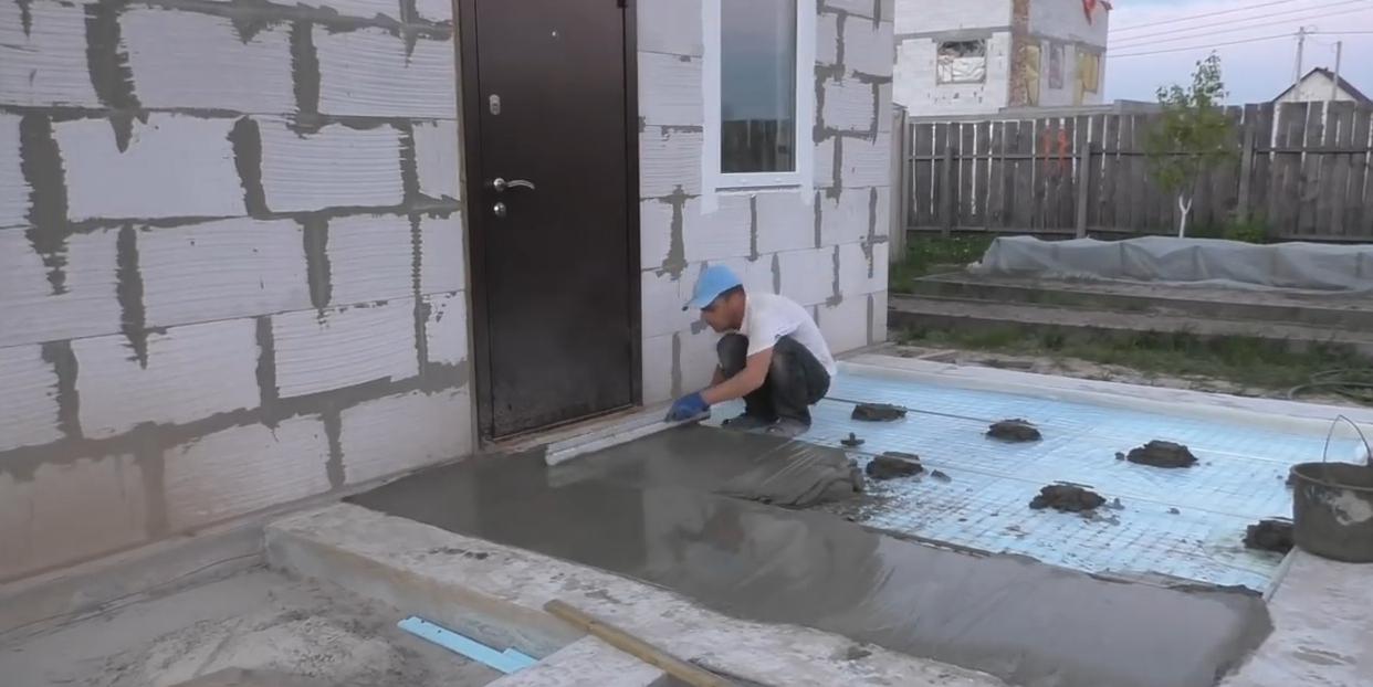 Шаг 11. Заливка бетонной стяжки