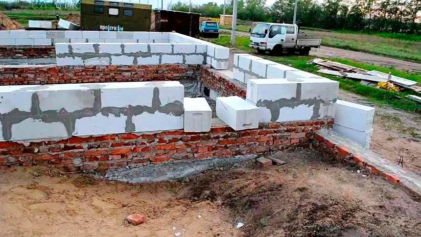 Строим дом из газобетонной смеси