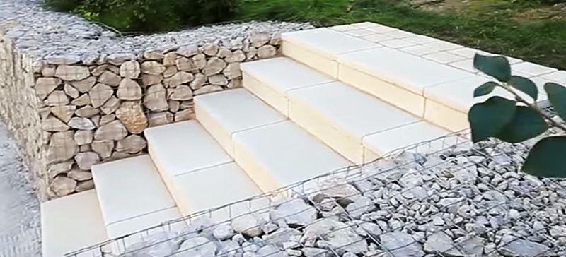 Готовая бетонная лестница