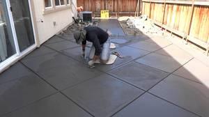 Затирка и обработка бетона во дворе после заливки